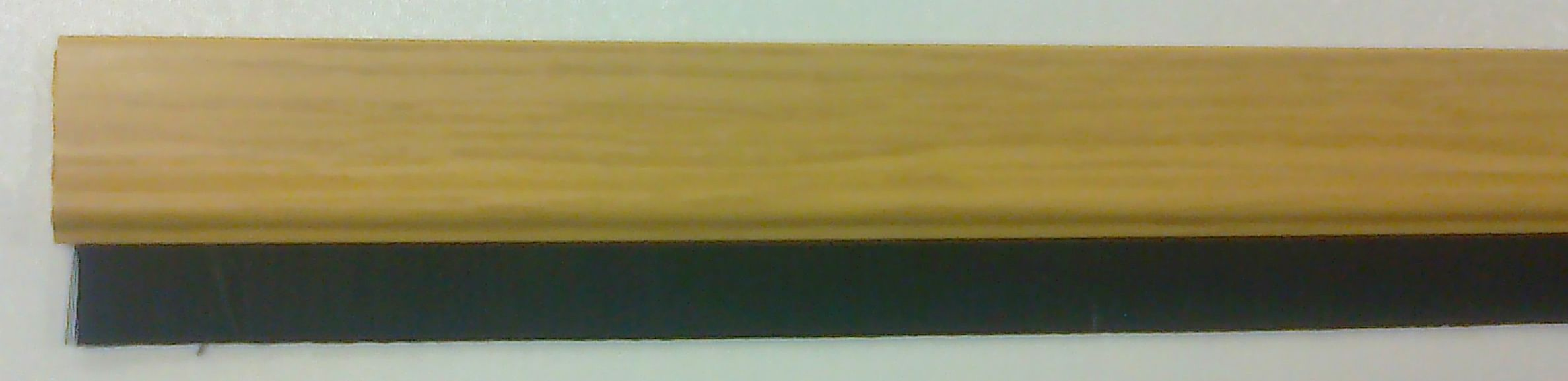 Kartáčová těsnící lišta na dveře dub (88015)