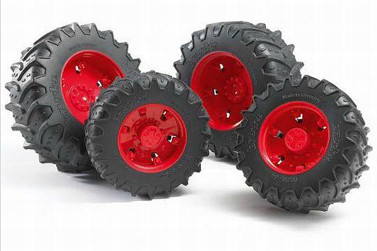 Bruder 3313 náhradní kola pro traktory řady 3000 červená (pro traktory FENDT Vario 936 3000)