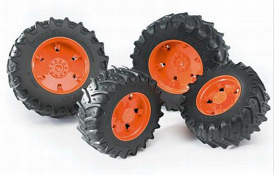 Bruder 3312 náhradní kola pro traktory řady 3000 oranžová (pro traktory Claas 3000)