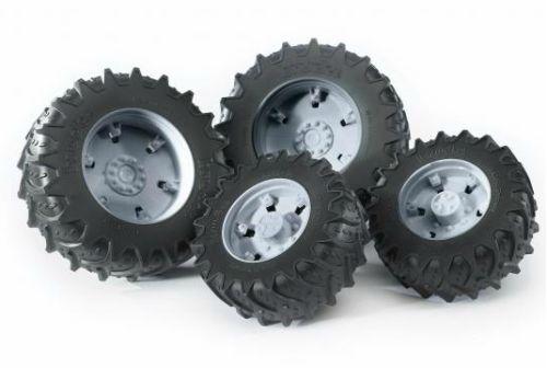 BRUDER 3315 Dvojitá kola pro traktory řady 3000 šedá (pro traktory Valtra a McCormick 3000)