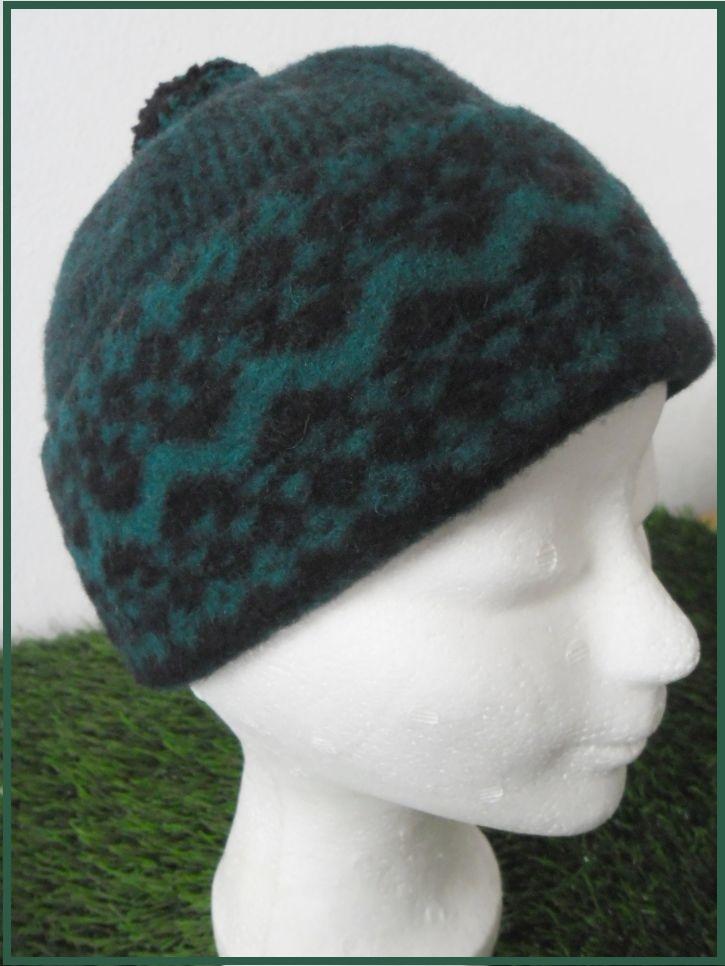 Dětská zimní čepice - tmavě zelená (zmijovka)